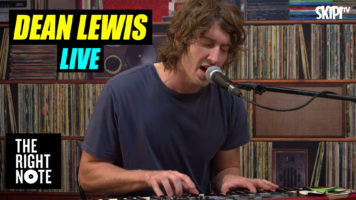 Dean Lewis Live on The Right Note