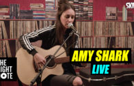 Amy Shark Live on The Right Note